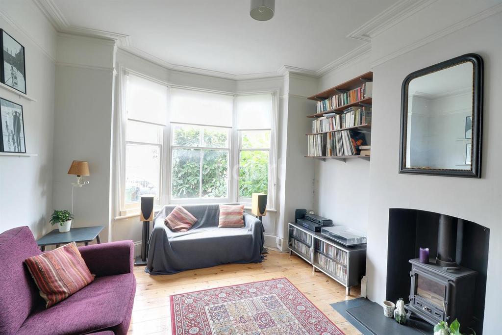 1 Bedroom Flat for sale in Michael Road, Leytonestone
