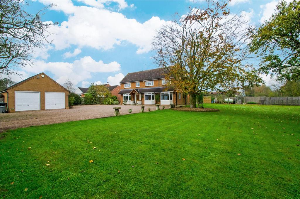 4 Bedrooms Detached House for sale in Crowle, Worcester, Worcestershire