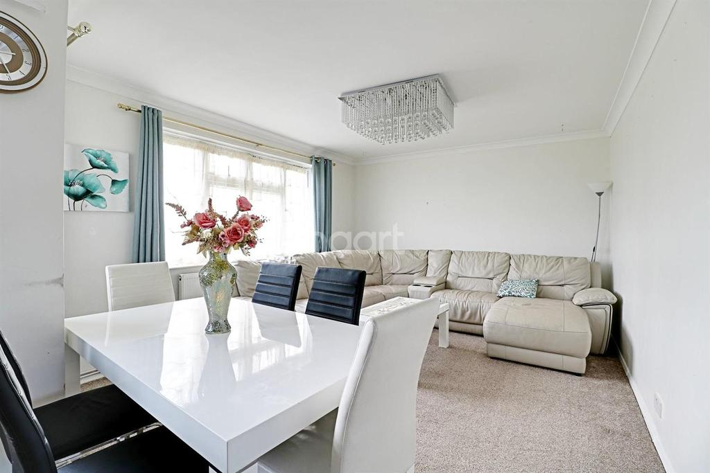 2 Bedrooms Flat for sale in Uxbridge Road