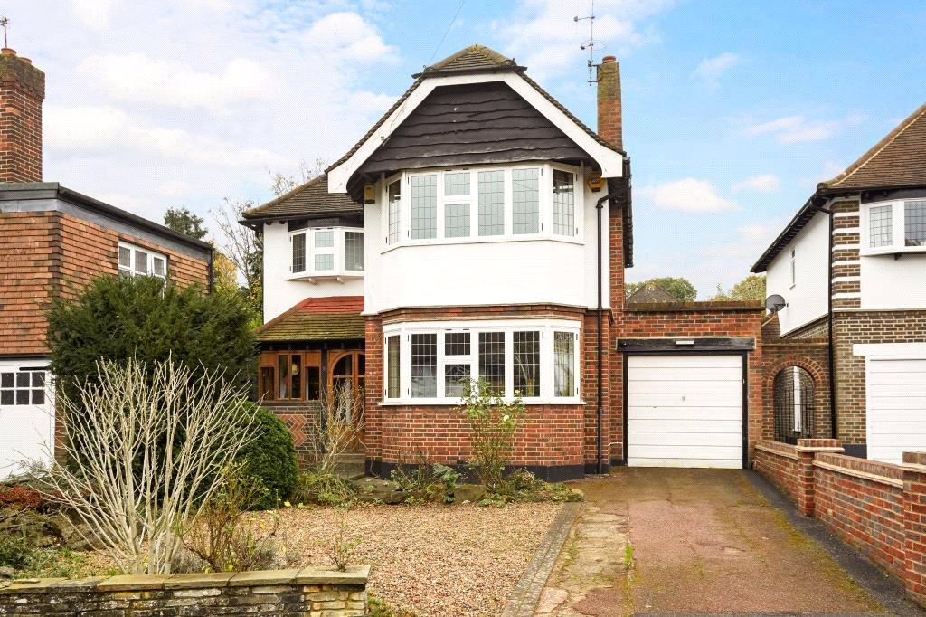3 Bedrooms Detached House for sale in Hinchley Drive, Hinchley Wood, Surrey, KT10
