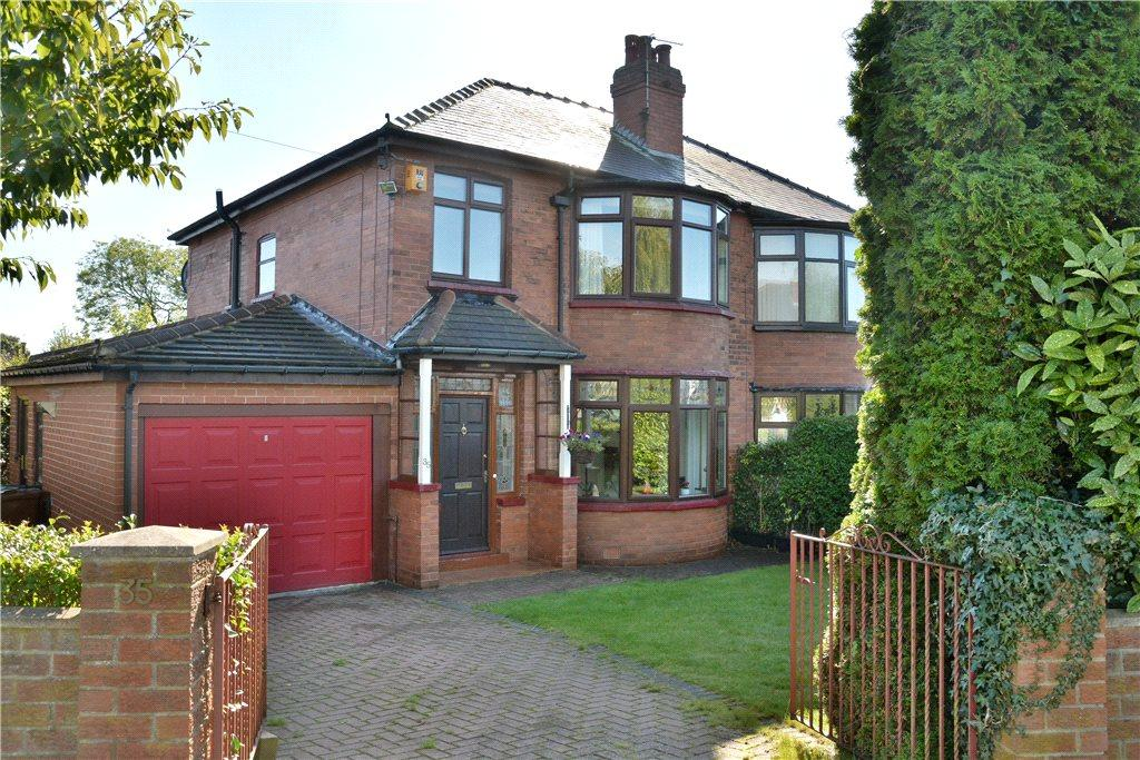 3 Bedrooms Semi Detached House for sale in Montagu Place, Oakwood, Leeds