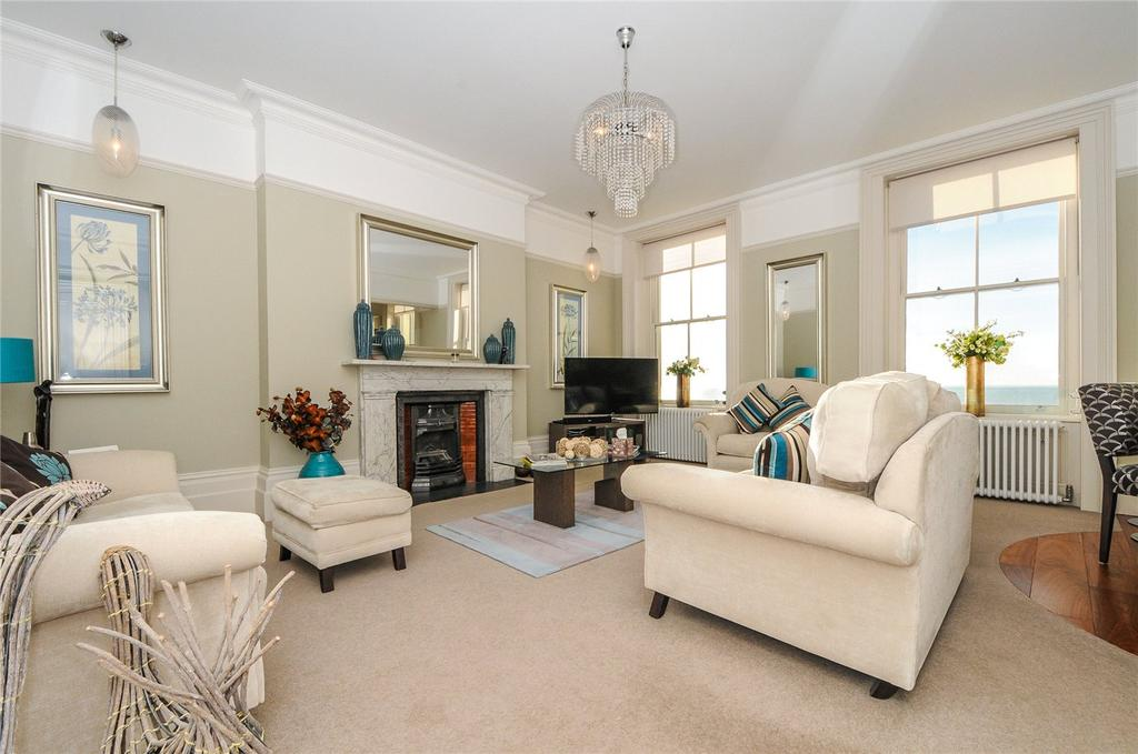 2 Bedrooms Flat for sale in Mayfair House, 11-12 Heene Terrace, Worthing, West Sussex, BN11