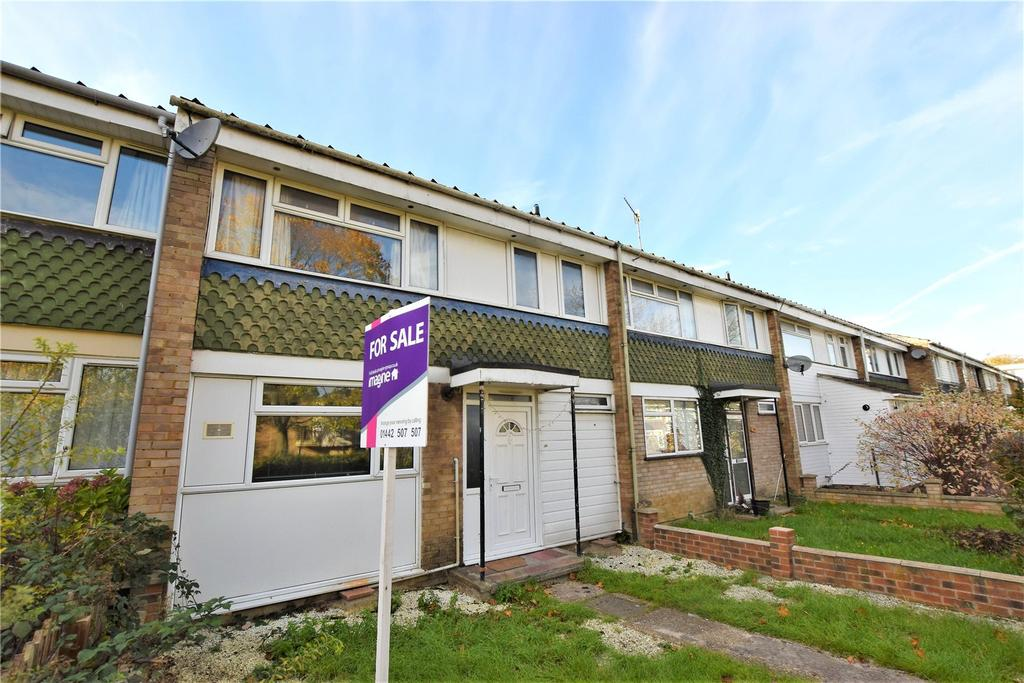 3 Bedrooms Terraced House for sale in Crawley Drive, Hemel Hempstead, Hertfordshire, HP2