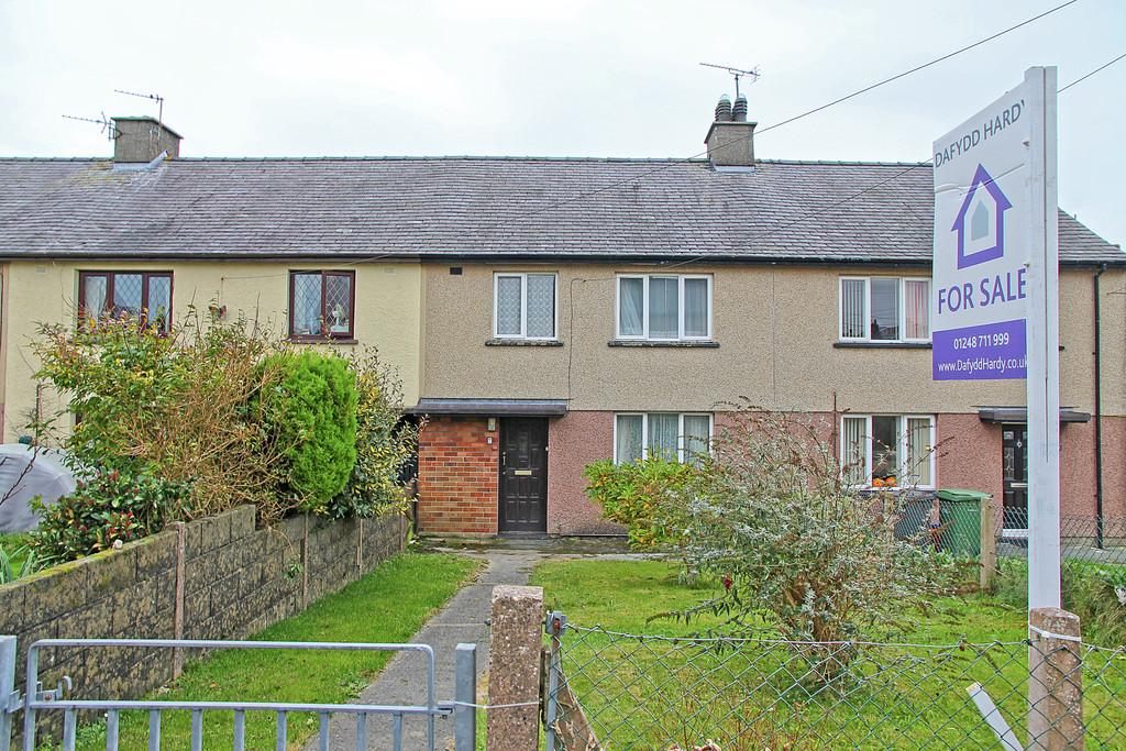 3 Bedrooms Terraced House for sale in Trem Arfon, Llandegfan, North Wales