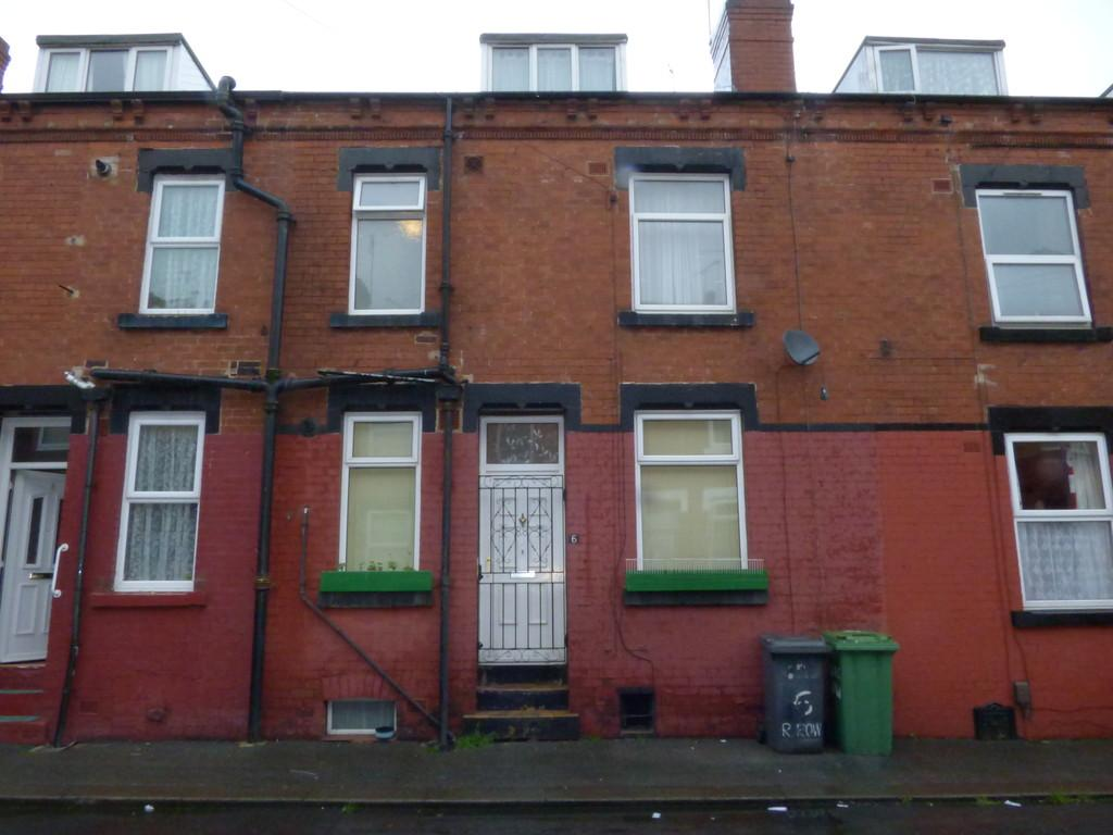 2 Bedrooms Terraced House for sale in Recreation Row, Holbeck, LS11 0AL
