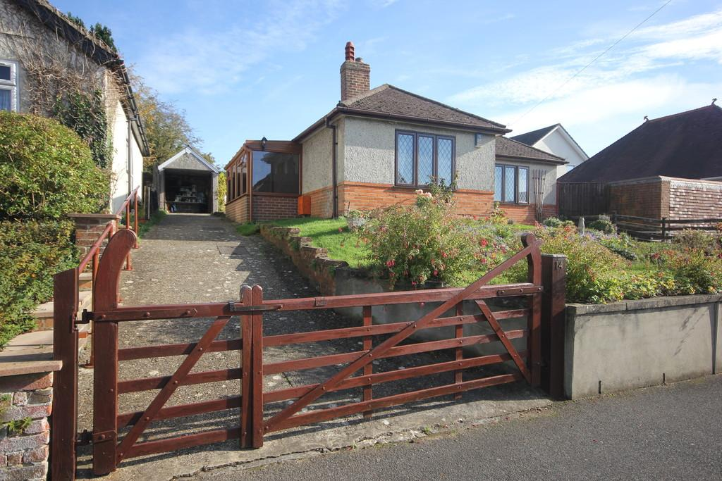 2 Bedrooms Detached Bungalow for sale in DORSET ROAD, SALISBURY, WILTSHIRE, SP1 3BP