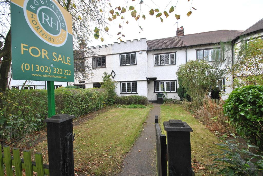 3 Bedrooms Terraced House for sale in The Grove, Wheatley Hills, Doncaster