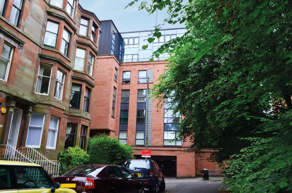 2 Bedrooms Flat for sale in Hayburn Lane, Flat 6/2, Hyndland, Glasgow, G12 9FD