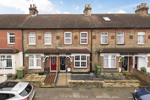 3 Bedrooms Terraced House for sale in Horsa Road, Erith, DA8