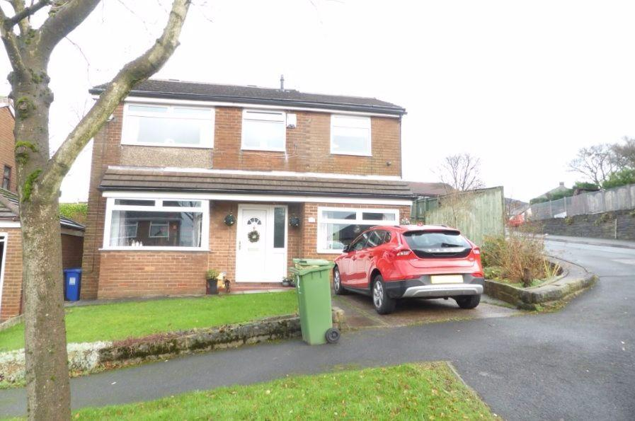3 Bedrooms Detached House for sale in Woodville Drive, Stalybridge SK15
