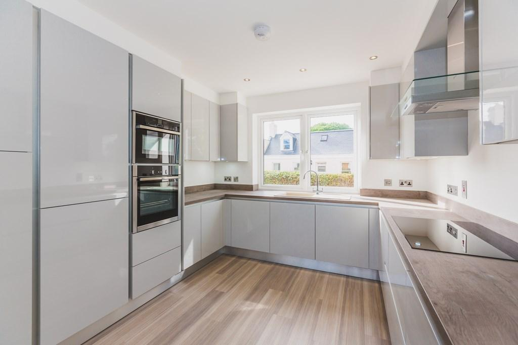 3 Bedrooms Semi Detached House for sale in Baubigny Road, St. Sampson, Guernsey