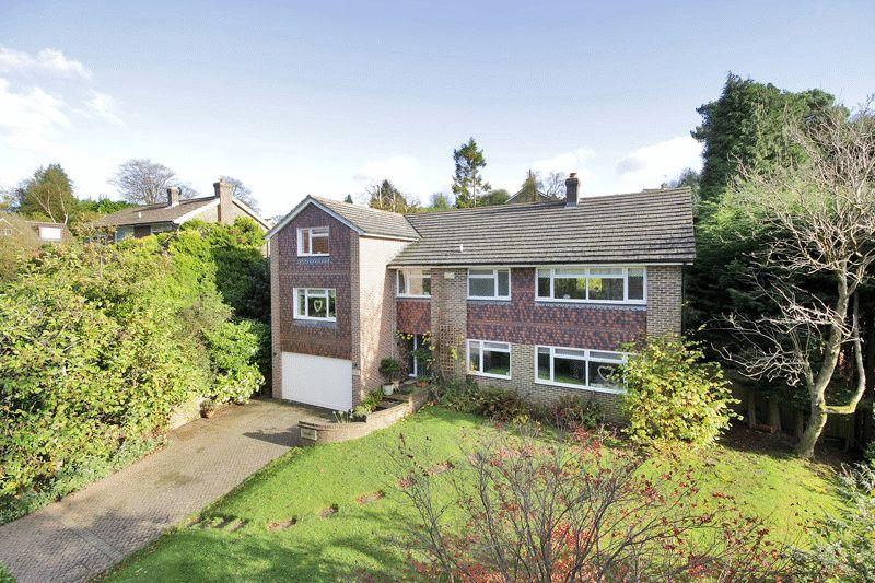 6 Bedrooms Detached House for sale in Warren Road, Crowborough, East Sussex