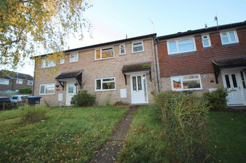 2 Bedrooms Terraced House for sale in Acre Close, Haywards Heath, West Sussex