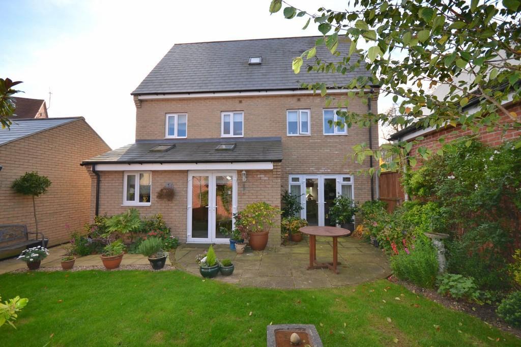 5 Bedrooms Detached House for sale in Allard Way, Saffron Walden