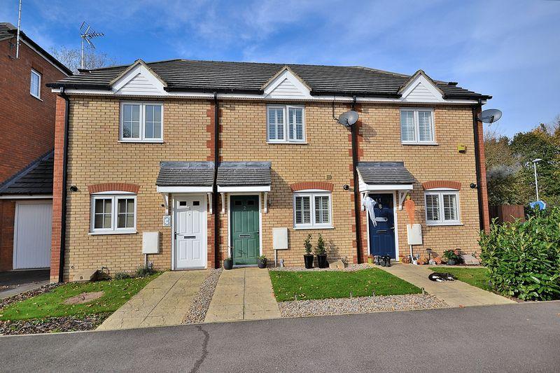 2 Bedrooms Terraced House for sale in Sovereign Close, Leighton Buzzard
