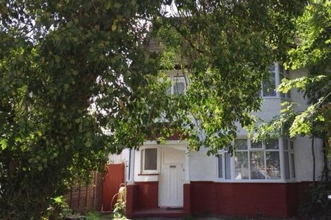 House share to rent - Whitchurch Lane, CANONS PARK, Middlesex, HA8 6QL