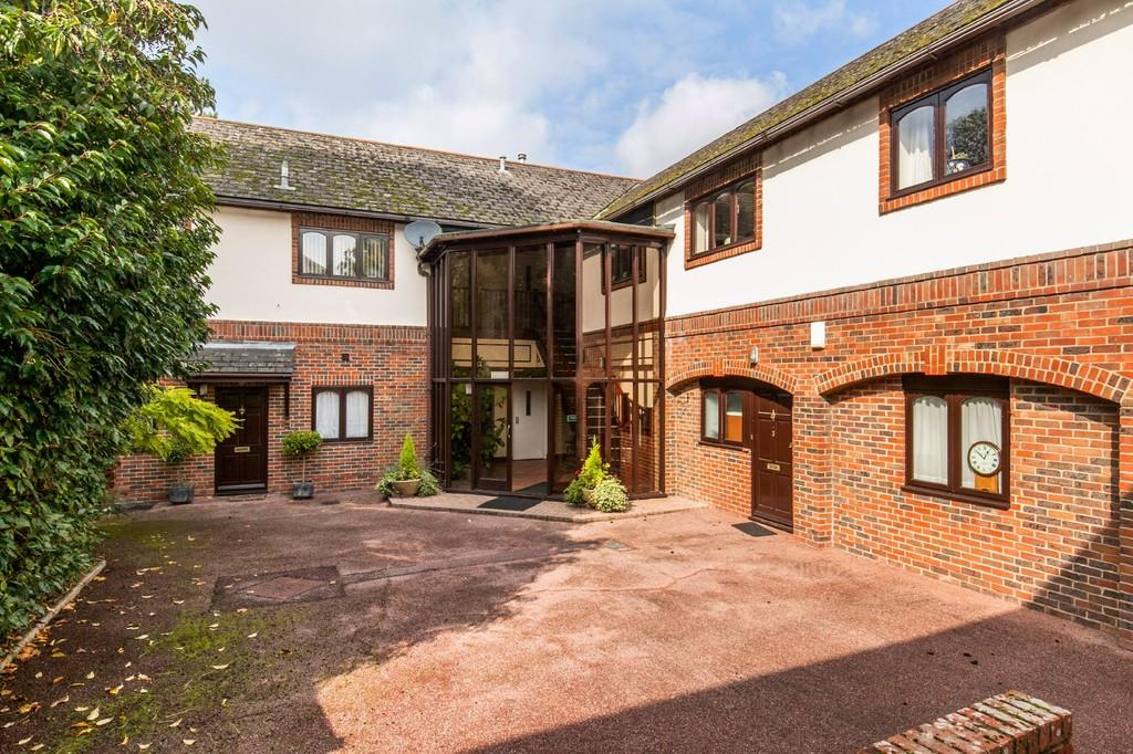 2 Bedrooms Apartment Flat for sale in Harestock Road, Harestock, Winchester, SO22