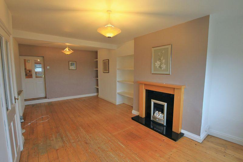 2 Bedrooms Terraced House for sale in Y Felinheli, Gwynedd