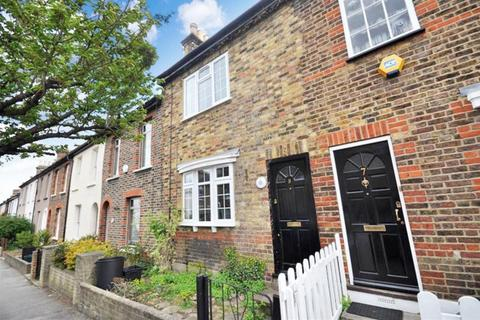 2 bedroom terraced house to rent - Cowley Road, Wanstead