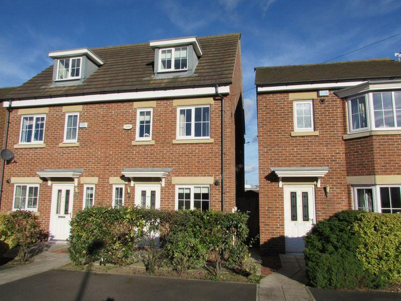 3 Bedrooms Town House for sale in Mitford Gardens, Wallsend - Three Storey Town House