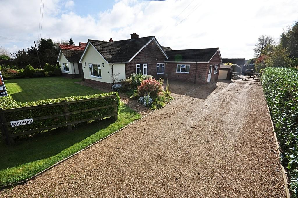 5 Bedrooms Detached Bungalow for sale in Hargham Road, Old Buckenham