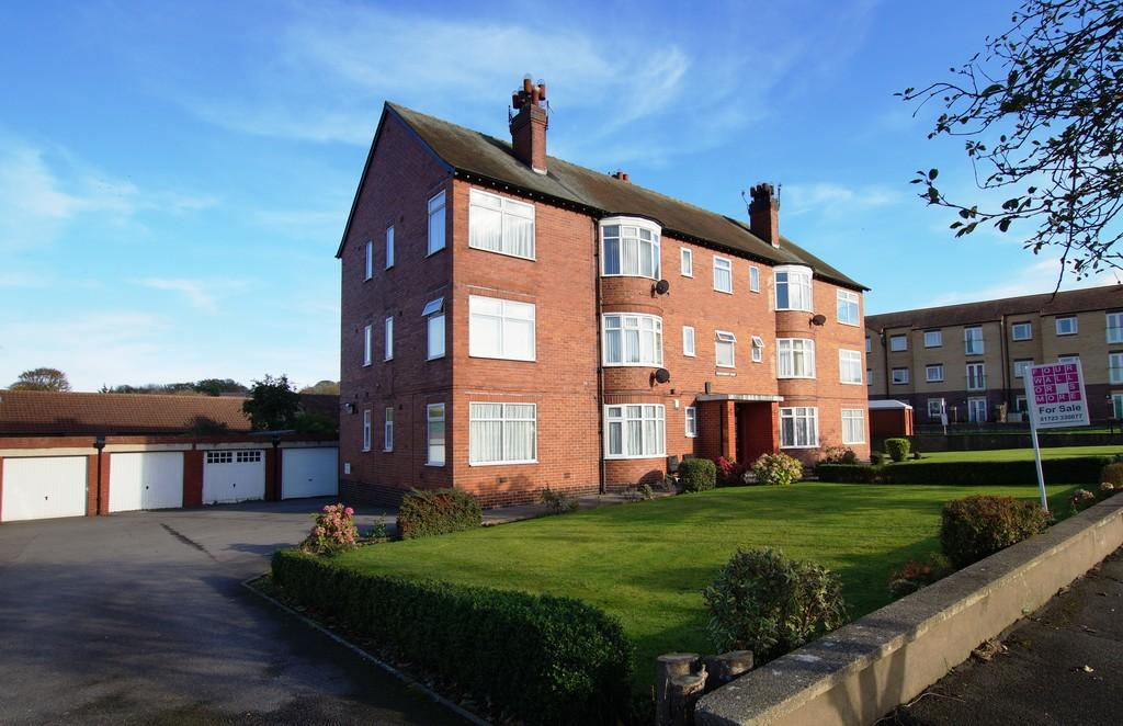 2 Bedrooms Apartment Flat for sale in Montgomery Court, Sandybed Lane
