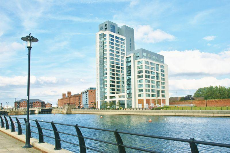 2 Bedrooms Apartment Flat for sale in William Jessop Way, Liverpool