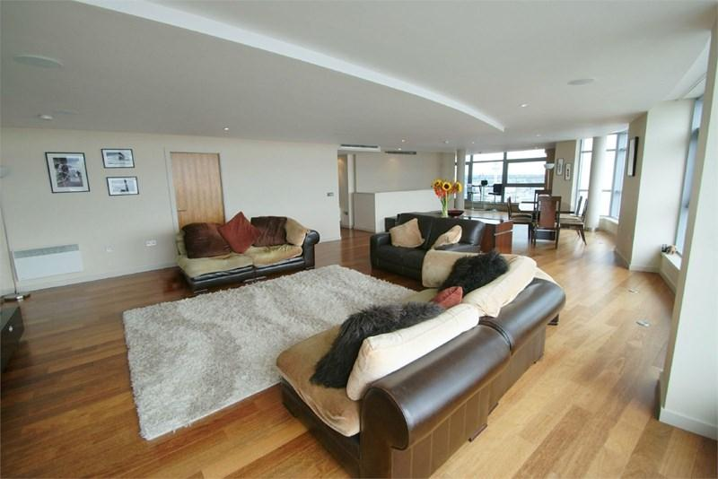 3 Bedrooms Apartment Flat for sale in Beetham Tower, Liverpool