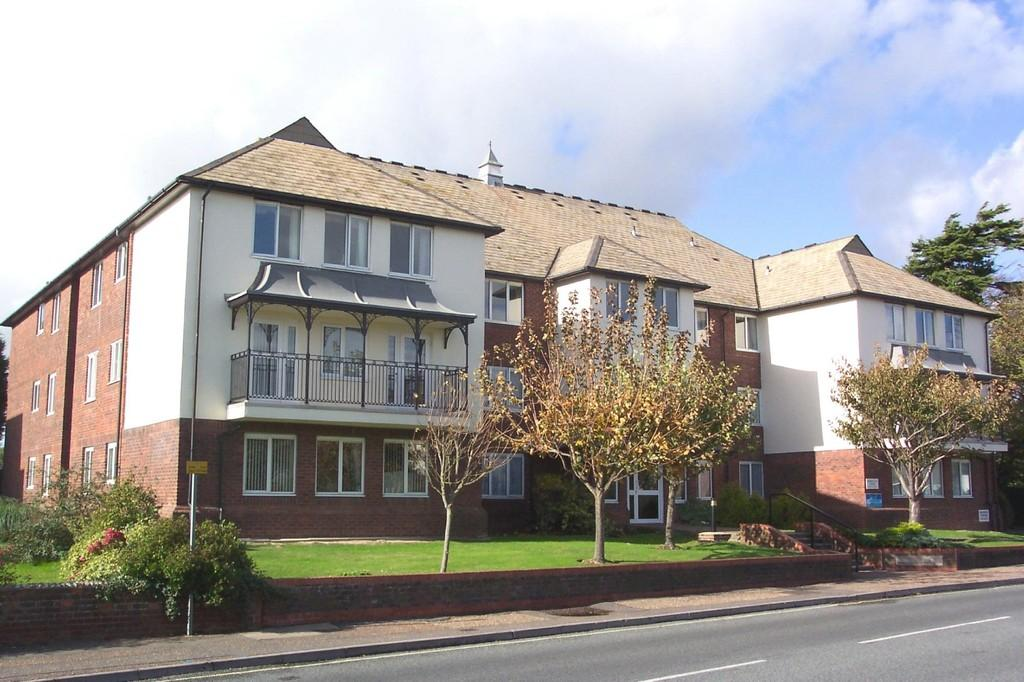 1 Bedroom Flat for sale in Nordseter Lodge, Sea Lane, Rustington