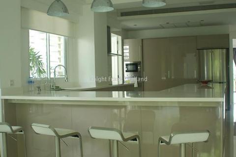3 bedroom block of apartments  - Spacious 3 Bedrooms in central Bangkok