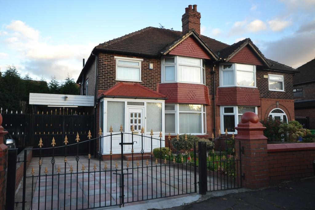 3 Bedrooms Semi Detached House for sale in Kingsway, Burnage
