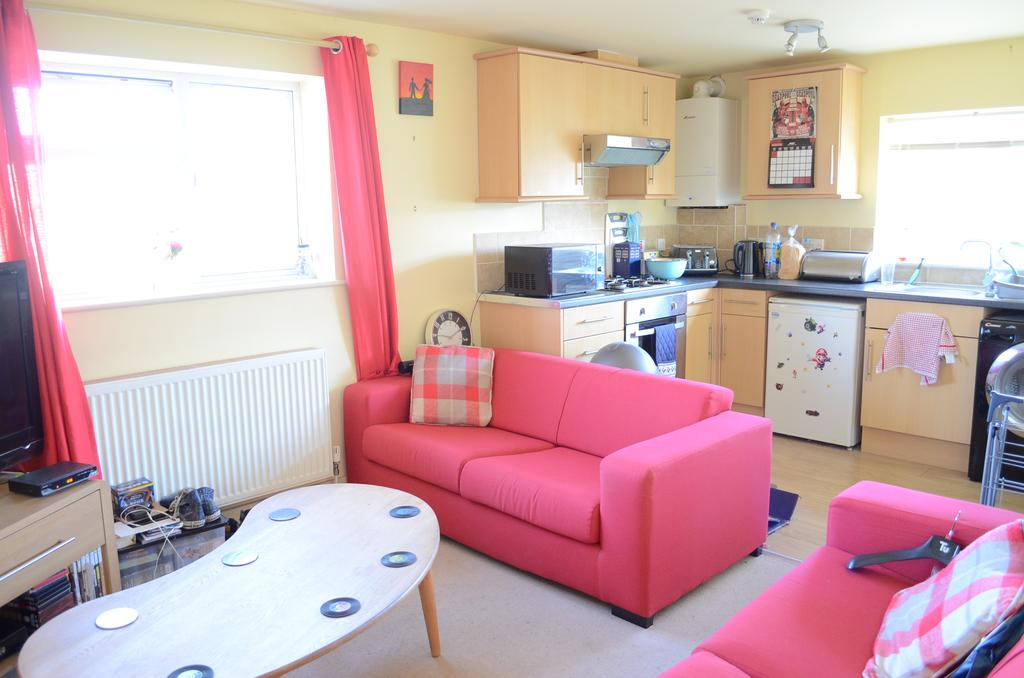 2 Bedrooms Flat for sale in Kimbridge Road, East Wittering, PO20