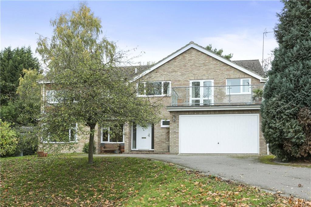 5 Bedrooms Detached House for sale in Sandroyd Way, Cobham, Surrey, KT11