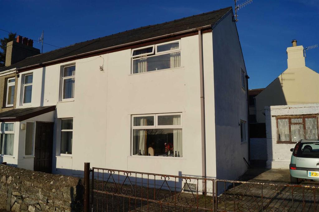 4 Bedrooms Semi Detached House for sale in Cefn Morfa, Morfa Nefyn