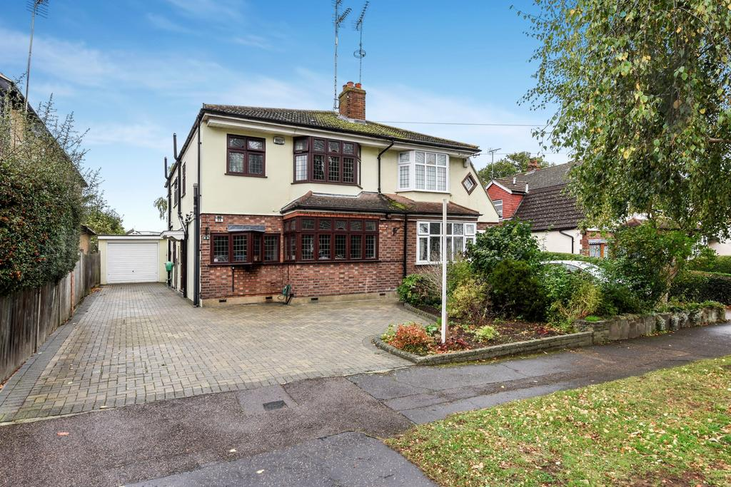 4 Bedrooms House for sale in Morgan Crescent, Theydon Bois, CM16