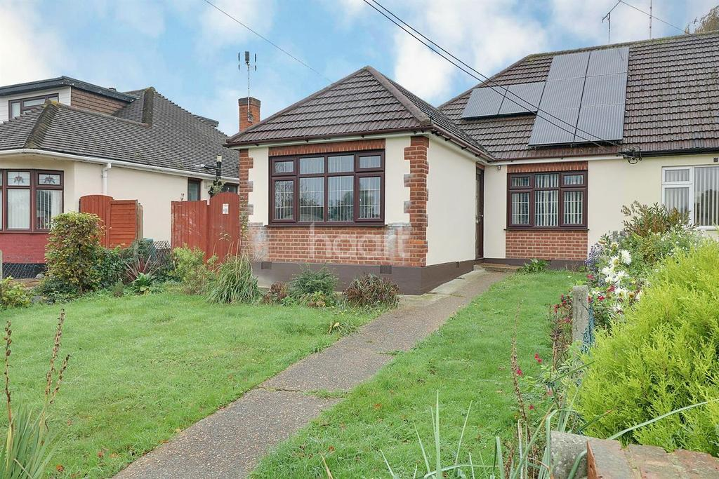 3 Bedrooms Bungalow for sale in Rayleigh Road, Thundersley