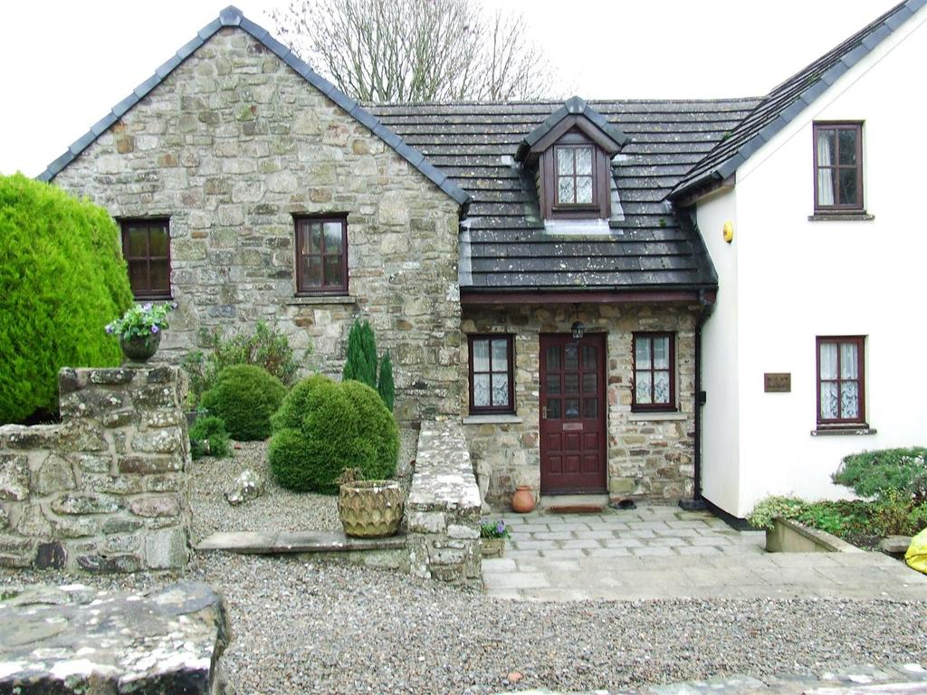 3 Bedrooms Detached House for rent in Llawhaden, Narberth