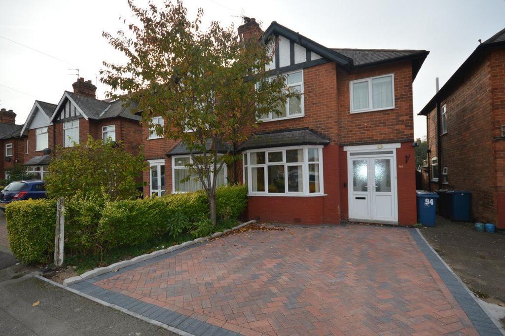 3 Bedrooms Semi Detached House for rent in Gordon Road, West Bridgford