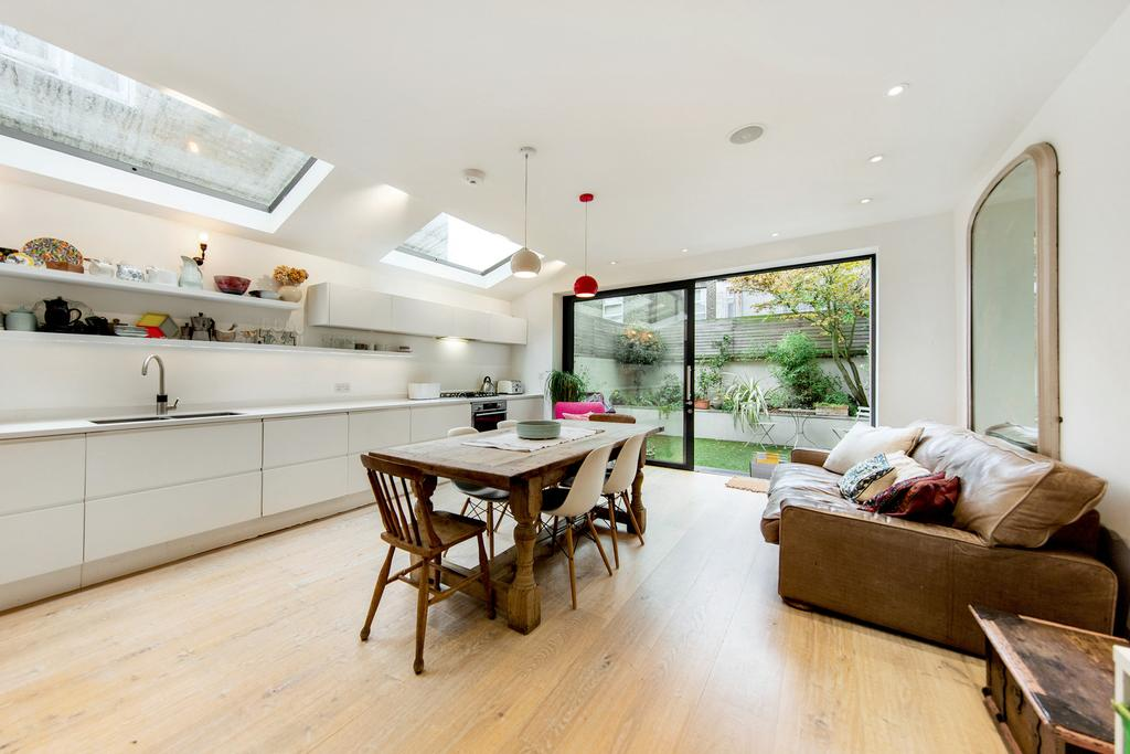 3 Bedrooms Terraced House for sale in Hiley Road, NW10