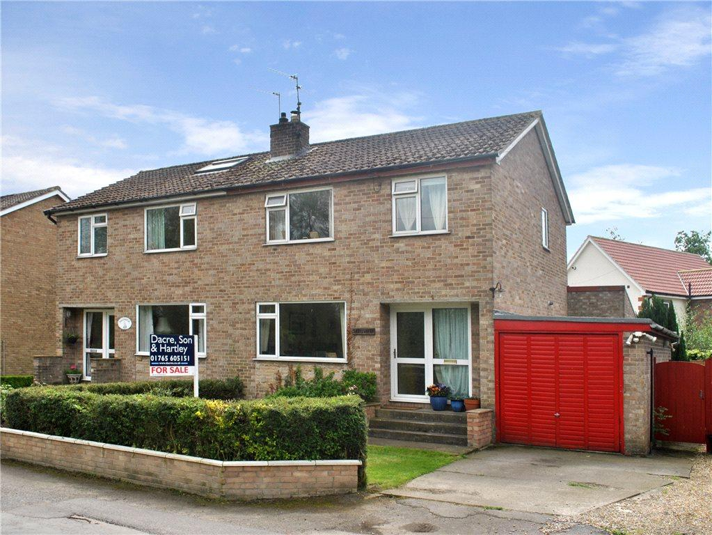 3 Bedrooms Semi Detached House for sale in Skellgarth, Fishergreen, Ripon, North Yorkshire