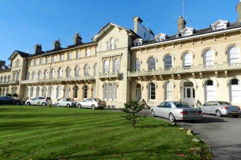 2 bedroom flat to rent - Lypiatt Terrace, Cheltenham