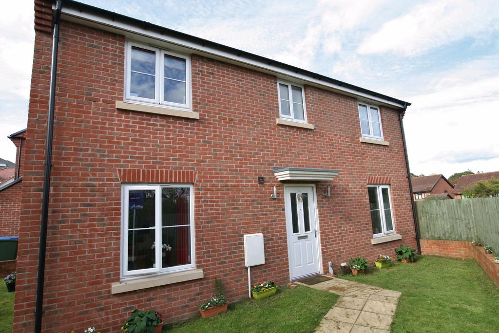 4 Bedrooms Detached House for sale in OWEN CLOSE, FAREHAM AUCTION PRICE GUIDE 300,000 - 350,000