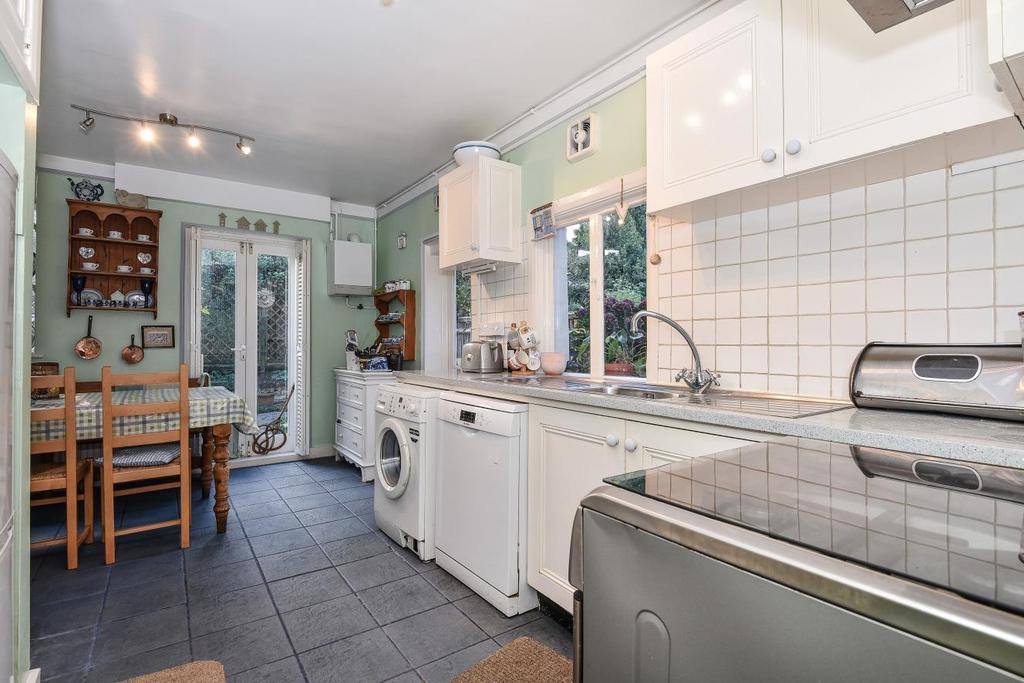 3 Bedrooms Semi Detached House for sale in Coalecroft Road, Putney