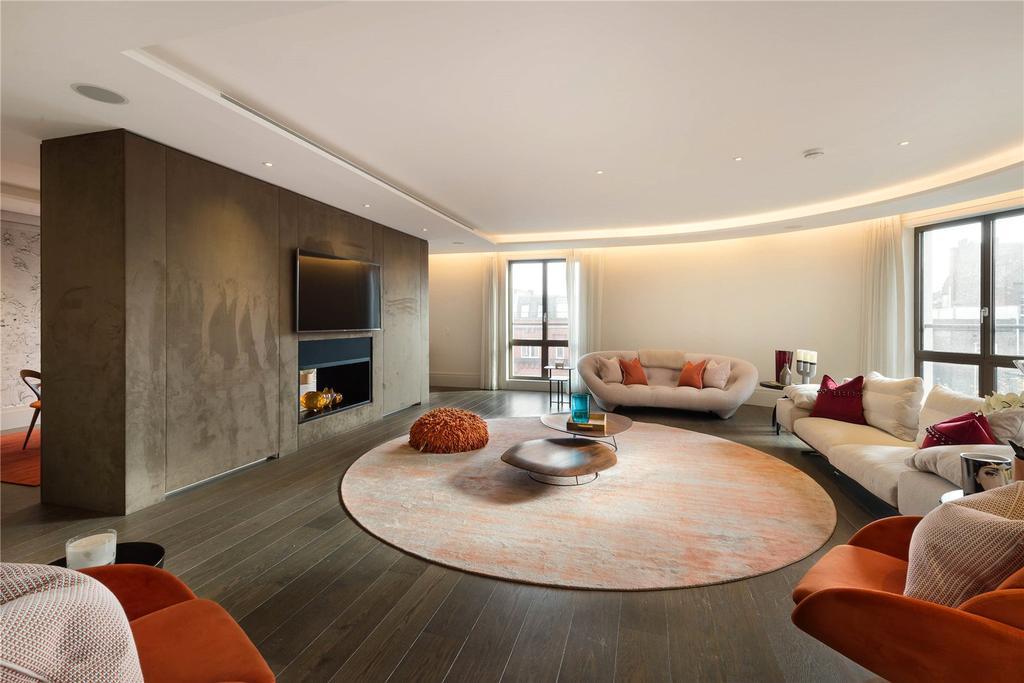 4 Bedrooms Flat for sale in Chelsea Manor Street, London