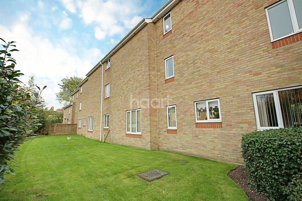 1 Bedroom Flat for sale in Cryspen Court