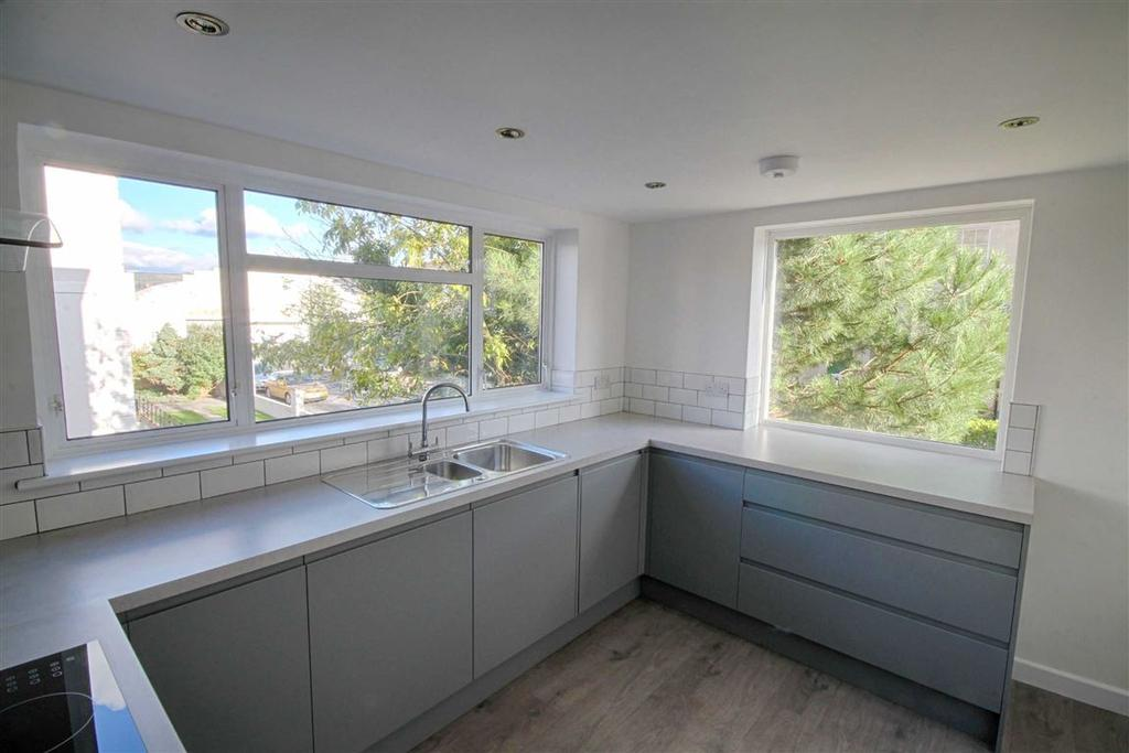 2 Bedrooms Flat for sale in Priory Street, Town Centre, Cheltenham, GL52