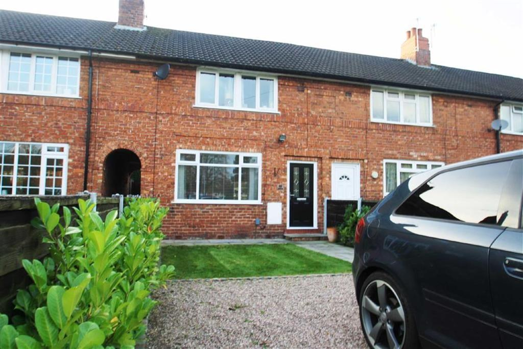 3 Bedrooms Terraced House for sale in Lindfield Estate North, Wilmslow
