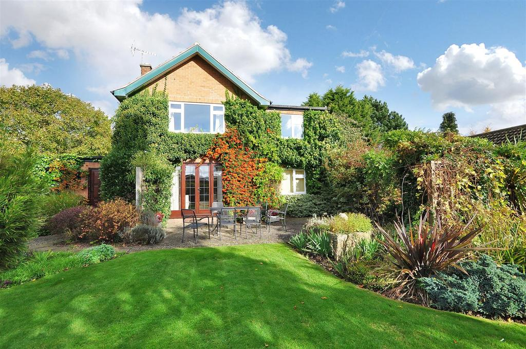 5 Bedrooms Detached House for sale in Crabnook Lane, Farnsfield, Newark