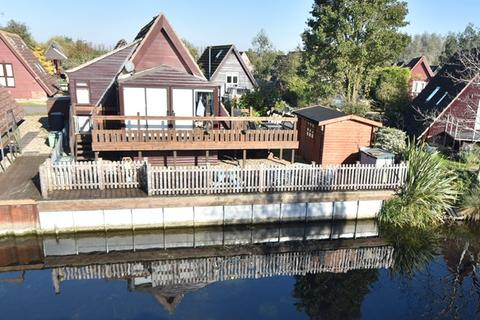 2 bedroom lodge for sale - Woodpecker, Isleham Marina, Ely