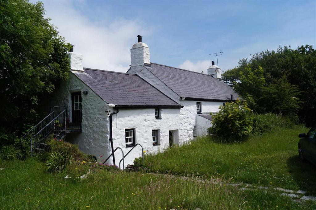 5 Bedrooms Detached House for sale in Trefor